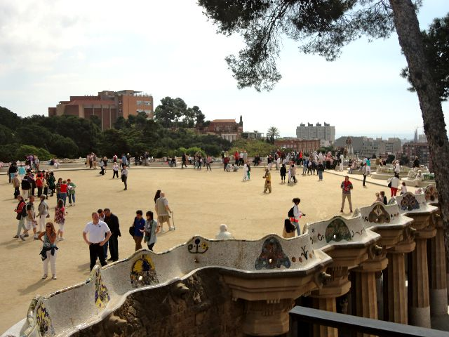 Barcelona - Parque Guell - Plaza Central