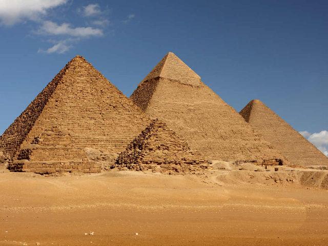 Resultado de imagen de Pirámide de Jufu (Keops)
