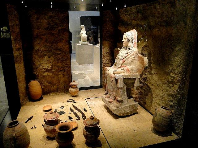 Madrid - Museo Arqueologico - Dama de Baza
