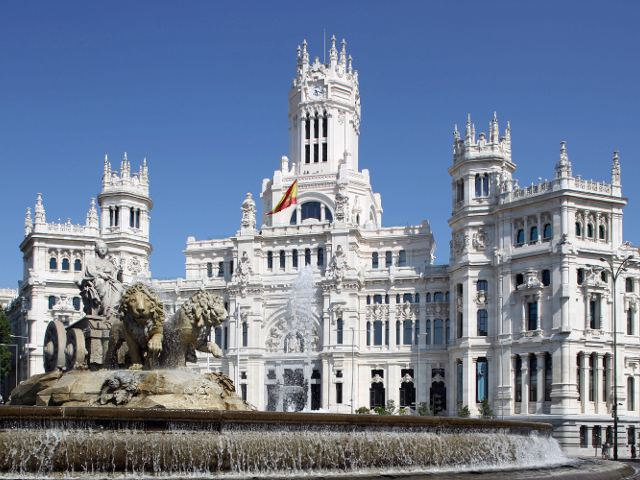 Madrid - Plaza de Cibeles - Palacio
