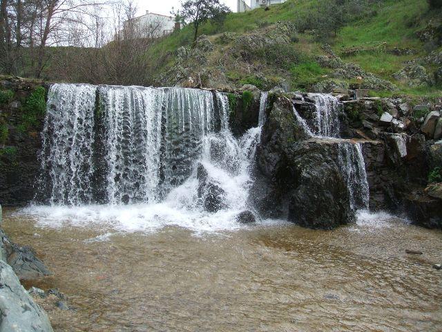 Las hurdes la sierra de gata y el valle del ambroz for Piscinas naturales norte de extremadura