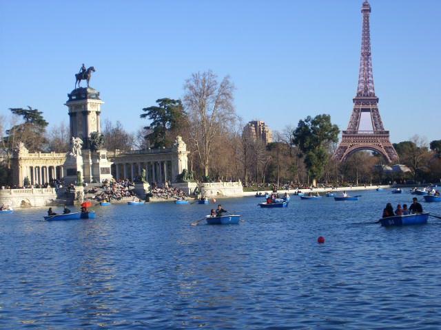 Torre Eiffel - Madrid
