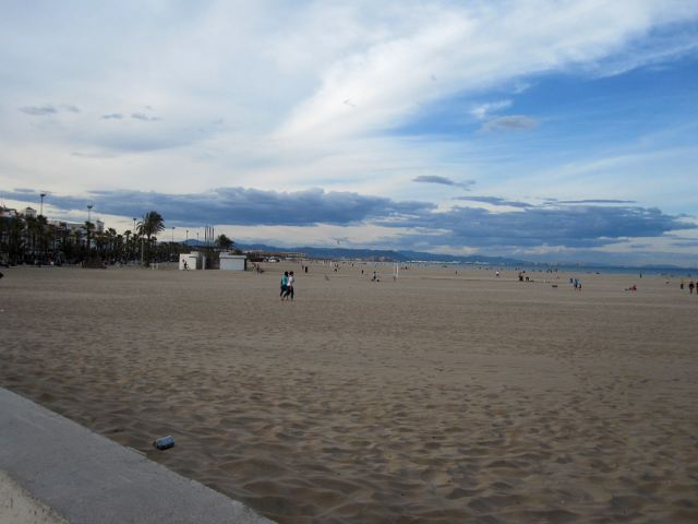 Las mejores playas de valencia para disfrutar del verano - Hoteles en la playa de la malvarrosa ...
