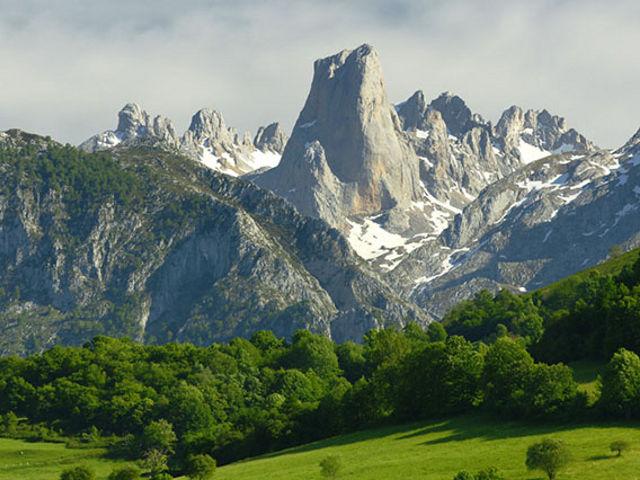 Asturias - Naranjo de Bulnes