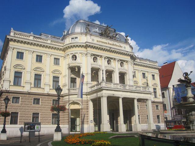Que ver en Bratislava - Teatro Nacional Eslovaco