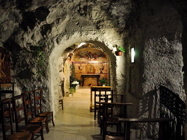 Budapest - Iglesia Rupestre - Interior