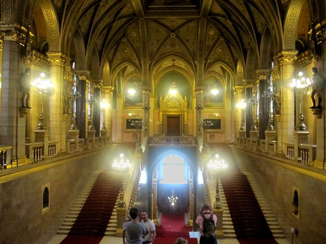 Budapest - Parlamento - Escalera Principal
