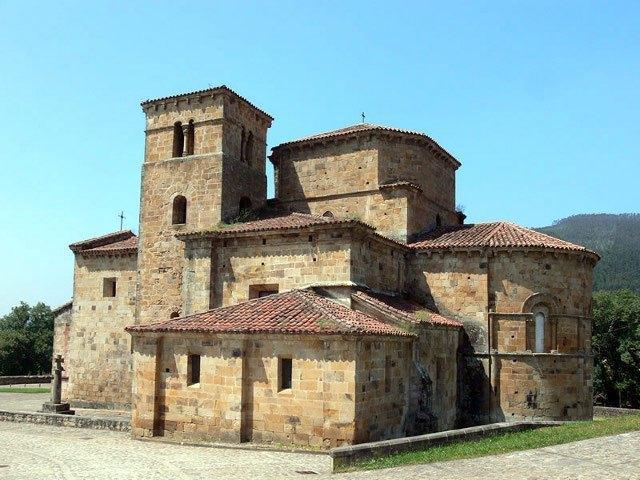 Cantabria - Colegiata Santa Cruz de Castañeda