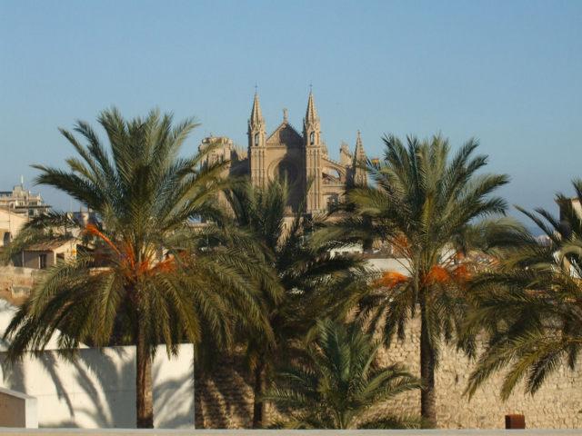 Vistas de la Catedral desde el museo de Es Baluard
