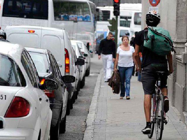 Ciclista - Acera