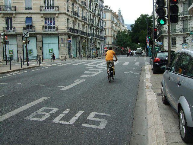 Ciclista - Carril Bus