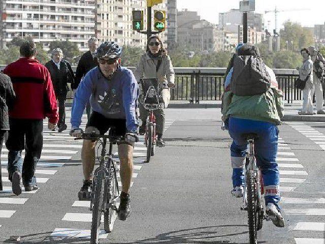 Ciclista - Paso de peatones