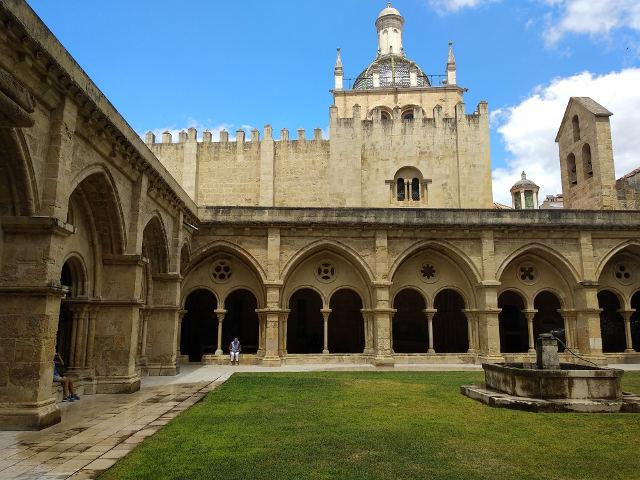 que ver en Coimbra en 1 dia - Catedral Vieja - Claustro