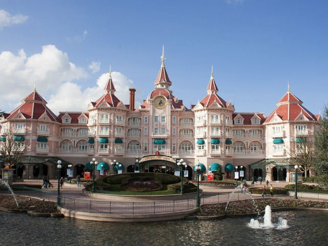 Disneyland Paris - Hotel Disneyland