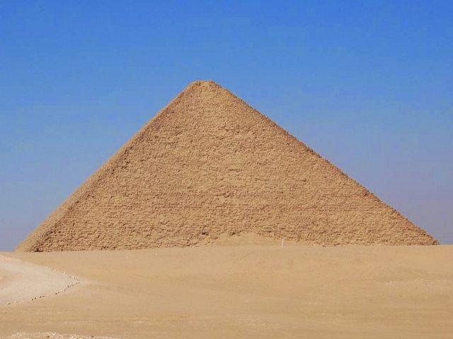 Las Pirámides de Meidum y Dashur. Tranquilidad en Egipto