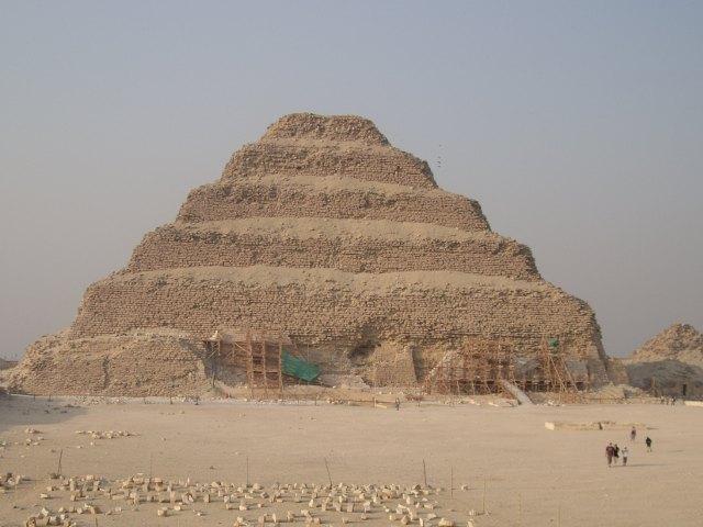 Memphis y Sakkara. Visita la Pirámide Escalonada de Zoser