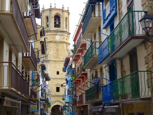 Visitar Getaria. La villa de Balenciaga, Elcano y el Txacoli
