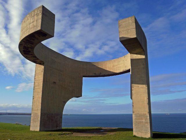 que visitar en Gijón - Elogio del Horizonte - Chillida