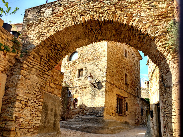 Girona - Peratallada