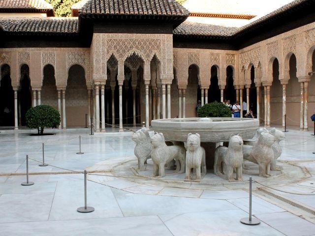 Granada - Alhambra - Patio de los Leones