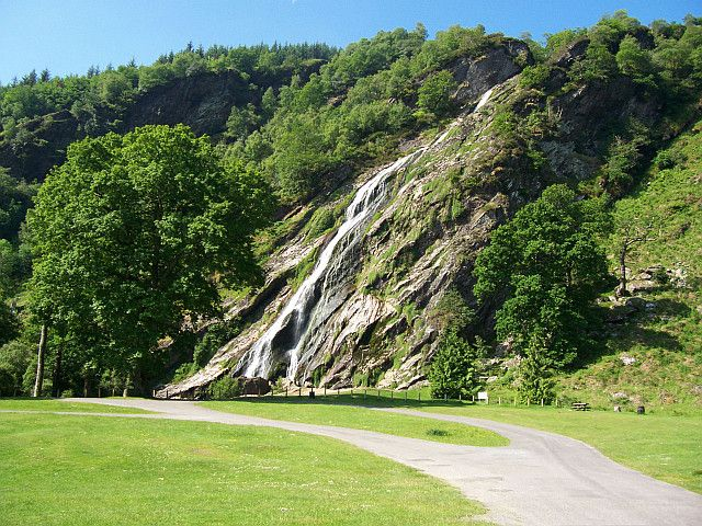 irlanda-powerscourt-waterfall