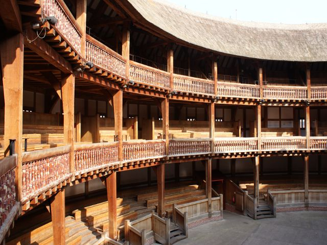 Londres - Shakespeare Globe Theatre - Interior