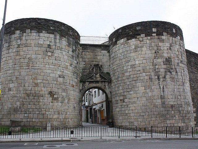 Lugo - Muralla - Puerta San Pedro