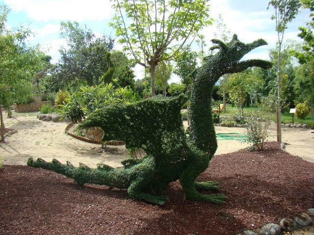 El bosque encantado un parque art stico cerca de madrid for El jardin encantado madrid