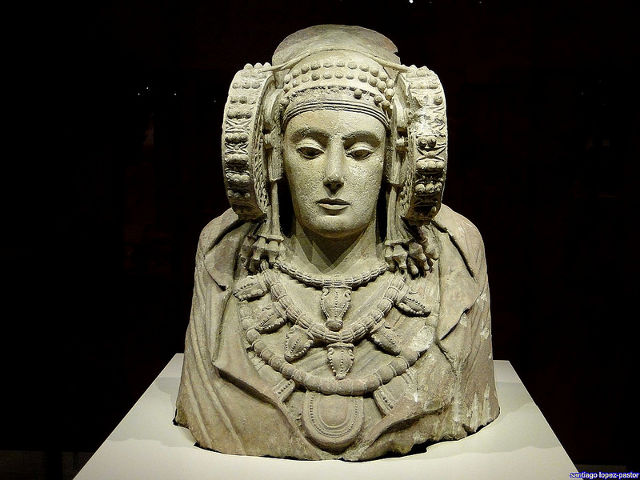 Madrid - Museo Arqueologico - Dama de Elche