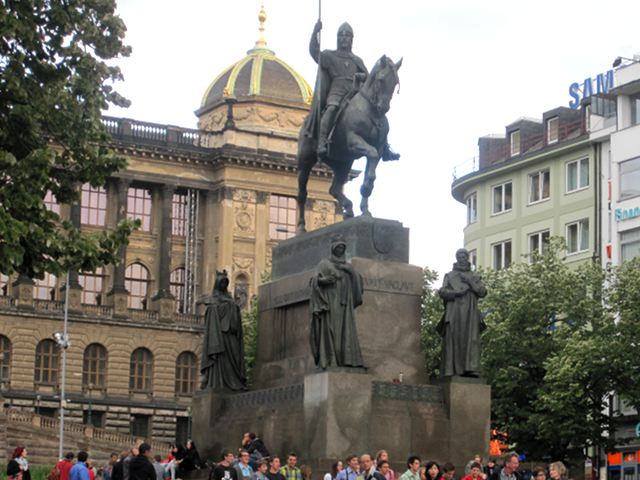 Praga - Plaza Wenceslao - Estatua