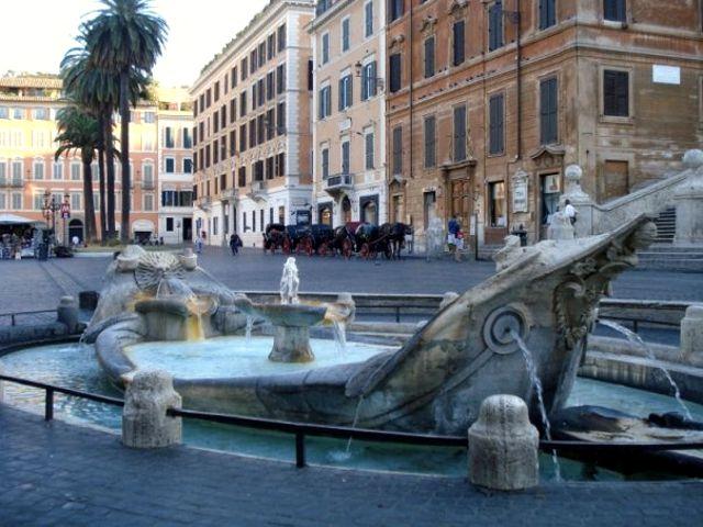 Roma - Piazza Spagna - Fontana Barcaccia