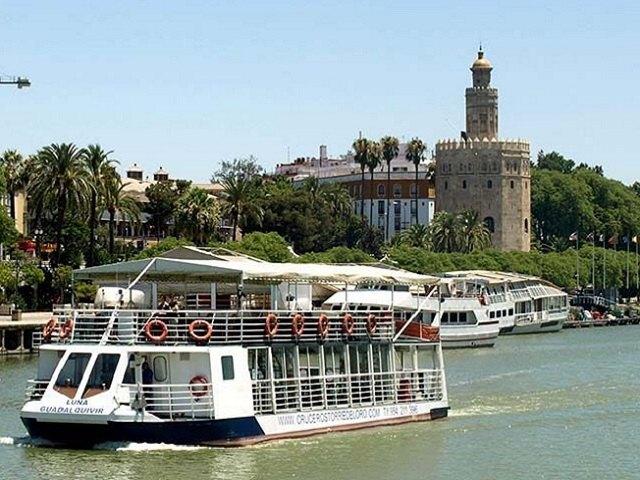 Hacer un crucero en Sevilla por el Rio Guadalquivir