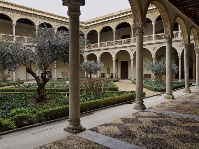 Toledo en un dia - Hospital Santa Cruz