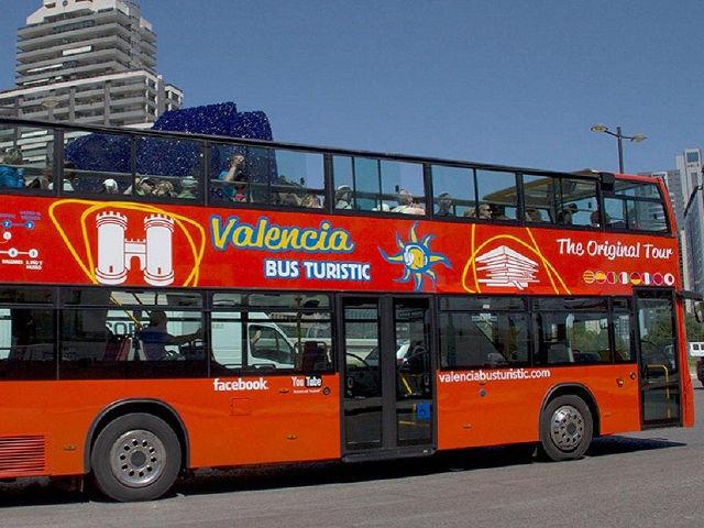 Cómo visitar Valencia con el Bus Turístico. Rutas, horarios y tarifas