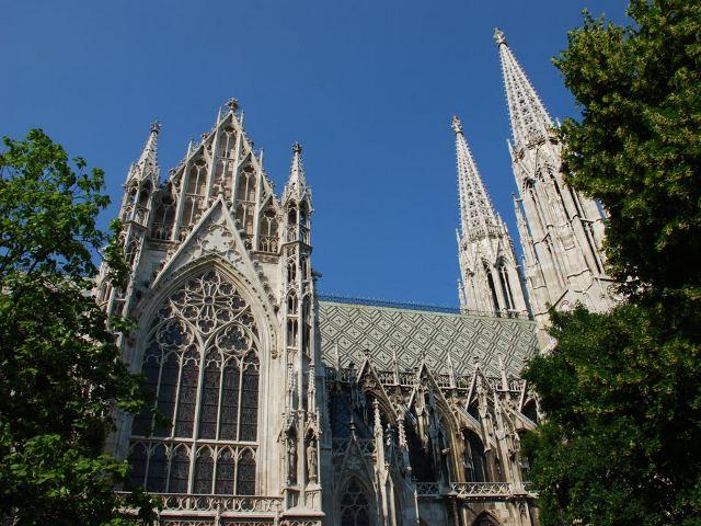 Visitar la Iglesia Votiva de Viena, una joya del neogótico