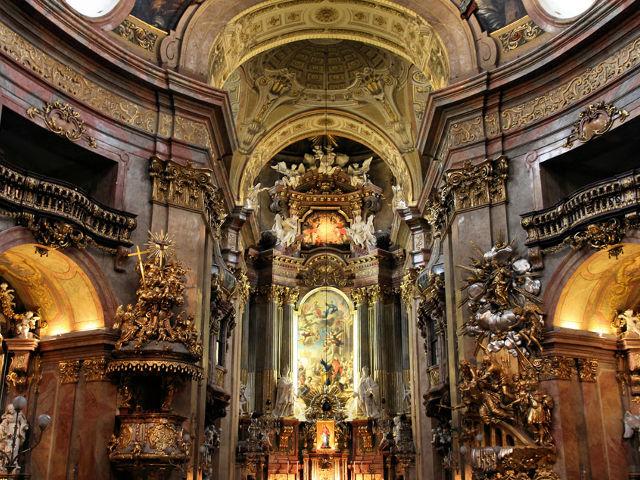 Viena - Iglesia de San Pedro - Interior