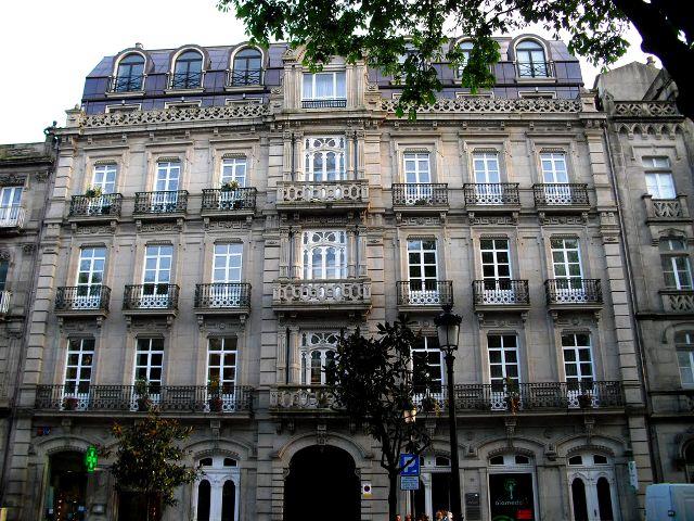 Vigo - Plaza Compostela